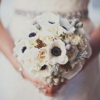 Winterlich-saisonale Brautsträusse