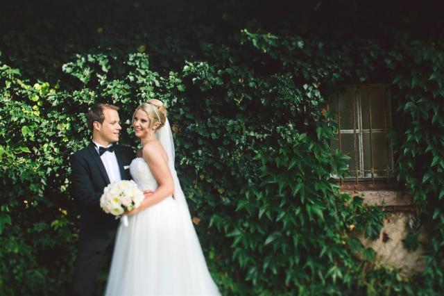Dieses schöne Brautkleid für ein Shooting ruinieren? Sicher nicht!