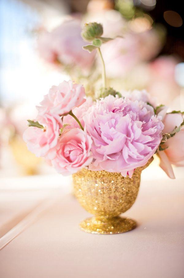 tischdeko pfingstrosen gold rosa lila. Black Bedroom Furniture Sets. Home Design Ideas