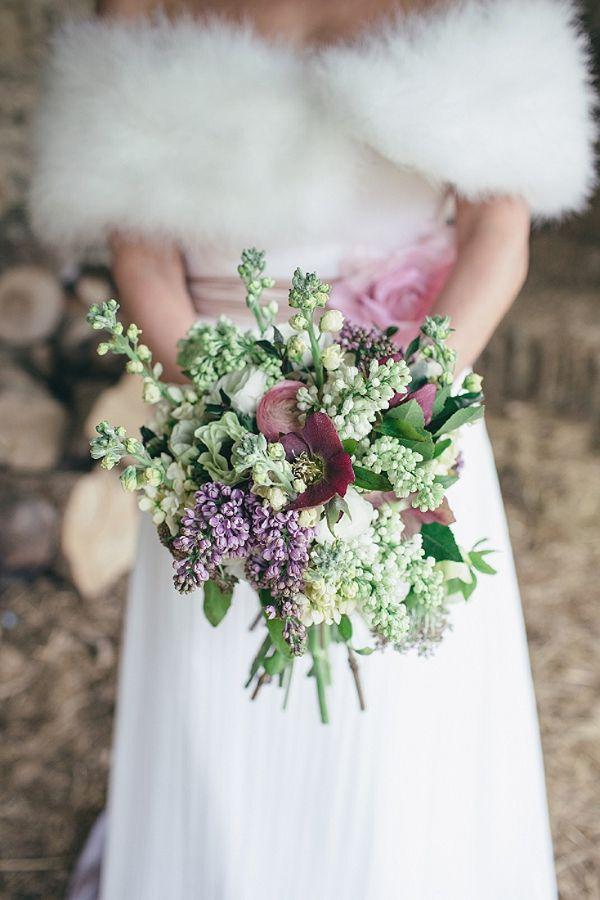 Winterliche Brautstrausse Mit Christrosen Hochzeitsblog Schweiz