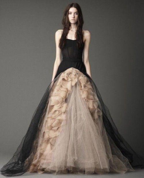 Avril Lavigne Wedding Gown: Gruselige Halloween-Inspirationen In Schwarz